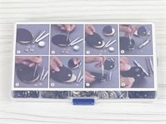 Кнопки Альфа 12,5мм - 140шт (8 цветов) + инструменты в боксе - фото 13201